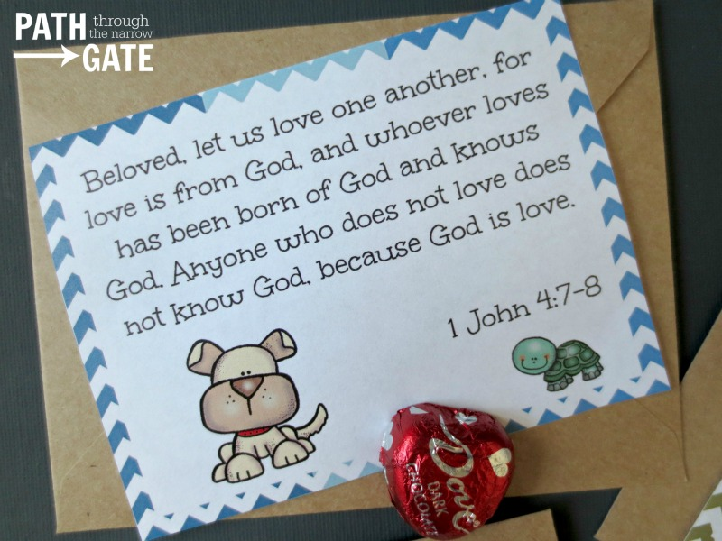Free Printable God's Love Bible Verse Love Notes in three Bible versions. These are so cute- perfect for Valetine's Day or any day!|Path Through the Narrow Gate.com